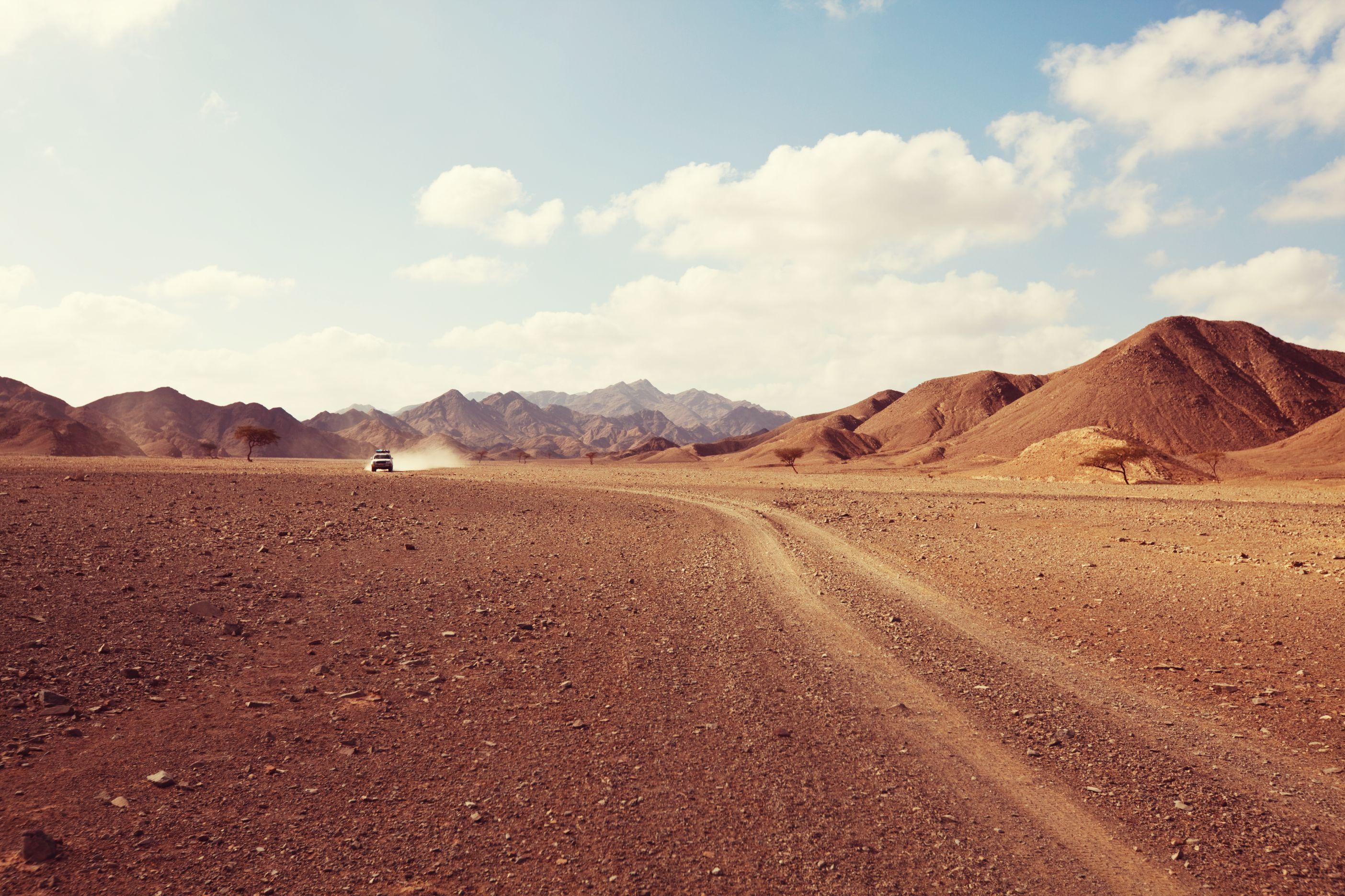 「意外が多いキャンピング天国!」アフリカを、なんと軽キャンパーで旅するご夫婦!